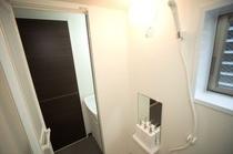 ダブルルーム 浴室