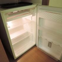 *客室設備一例:冷蔵庫