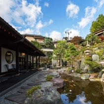 2000坪の日本庭園