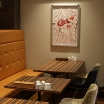 レストランには黒田投手のサイン入りユニフォームを展示