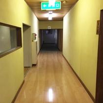 *【館内/廊下】総部屋数8室の割烹旅館です。