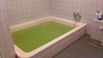 浴室 大人6名程度同時に入浴できます。 ※男女交代制