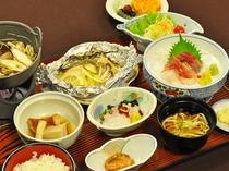 【秋・冬の夕食一例:くろさき】季節ごと、旬の食材を中心にご準備させていただきます。