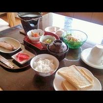 朝食を食べて朝も元気に出発!(朝食一例)