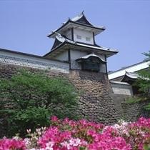 金沢城・石川門(春)
