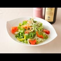 サラダの一例。