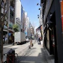 並木坂(丸小ホテルを囲む風景)