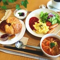 *【朝食一例】爽やかな朝の空気の中で、美味しいお食事を食べればスッキリお目覚め♪