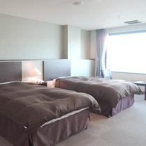 【客室一例】稼動ベッドで最大4名様まで宿泊可能