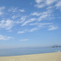 【住吉浜海水浴場】遠浅のビーチでお子様連れでも安心してご利用いただけます