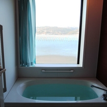 【客室風呂一例】客室のお風呂は温泉ではありません