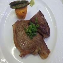 伊豆牛のステーキ イチボとリブロース(ある日のステーキプラン)