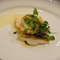 (ある日の魚料理)ヒゲ鱈のソテー 高級魚ヒゲ鱈と駿河湾手長海老のソテー