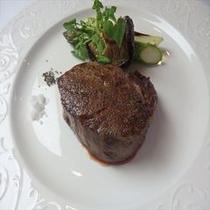 伊豆牛フィレ肉のステーキ お肉好きなお客様におすすめ貴重な伊豆牛のステーキ