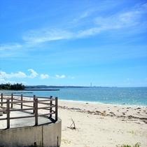 天然の砂浜と海「屋嘉ビーチ」