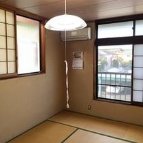 *客室一例/お部屋は全室和室タイプ。ビジネス滞在に気楽に過ごせるシンプルな客室です。