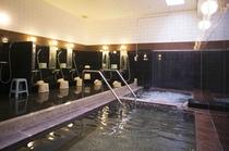 天然ラジウム温泉の大浴場