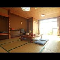 和室12畳のお部屋です。