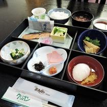 *【朝食全体例】爽やかな朝の空気の中、和朝食をお召し上がりください。