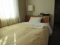 シングルルーム 13平米 120センチ幅ベッド