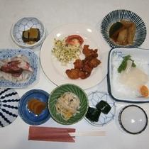 夕食(イカのお刺身付)