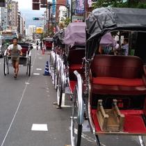 浅草名物人力車<<周辺観光>>