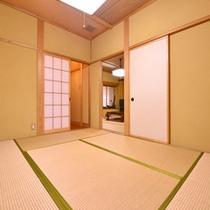 *露天風呂付客室(一例)/畳の上で足を伸ばしてごゆっくりおくつろぎください。