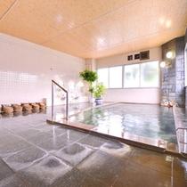 *大浴場(男性)/美肌効果も期待できる高瀬温泉の源泉かけ流し天然温泉です。