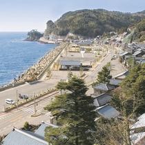【越前海岸】福井県を代表する景勝地。自然の岩礁断崖が特徴です