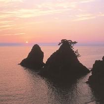 【越前海岸】天気の良い日は美しい夕日をご覧いただけます