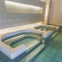 【お好み風呂HA-SHI-GO】こじんまりとした座湯は半身浴にもおすすめです。