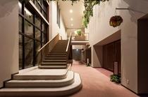 吹き抜け階段(2)