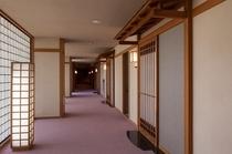 客室廊下より