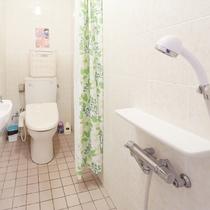 2F女性専用トイレ、シャワールーム
