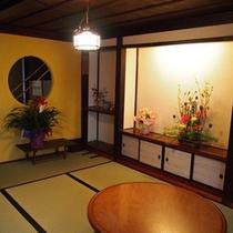 季節のお花が飾られた、美しい個室部屋ドミトリーとしても使用。