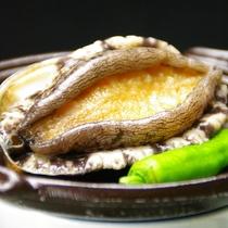 *贅沢に味わう鮑の陶板焼き(画像はイメージです)