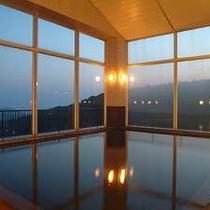 【展望大浴場】桜島・錦江湾が一望出来る。※霧島観光ホテルとの共同利用となります。