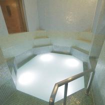 貸切風呂【モザイクタイル】貸切風呂で唯一温泉ではない湯酸素風呂です。