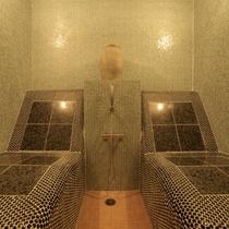 貸切風呂【イス式岩盤浴】玉の汗が噴き出すいす式岩盤浴は、体の芯からほぐれると、好評です。