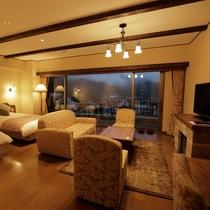 当館で唯一富士山が望めない部屋ですが、大きな窓には爽やかな風が抜けます。