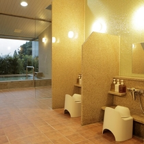 【男性大浴場】富士山に一番近い場所に造られた天然温泉大浴場。
