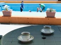 ガーデンコーナーでコーヒーブレイク