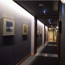 地下1階のアートギャラリーは道東ゆかりの地をモチーフにしています。
