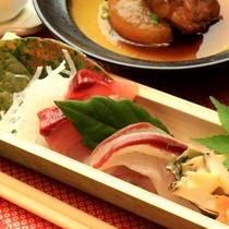【グレードアップ夕食】の旬のお魚のお造り