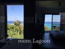 (客室Lagoon)バスルーム、お部屋からのオーシャンビュー