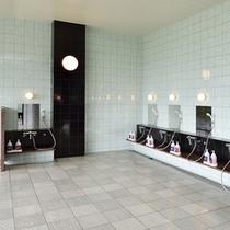 【展望風呂】ゆったりとした広さのある洗い場。