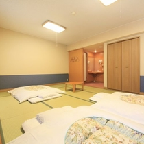 【客室】和室12畳 お布団を敷いても広々ゆったり
