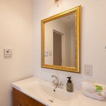 スーペリアルーム 42㎡ 明るく広い洗面台