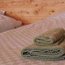 バスタオルは吸収の良い素材を使用し快適です