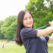 ホテル周辺には近距離にゴルフ場が多くあり、滞在でのプレイが楽しめます。
